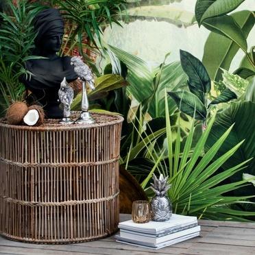 Décoration d'été tropicale avec des figurines