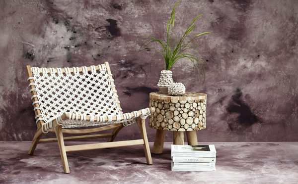 Crosillia chair and side table with vase