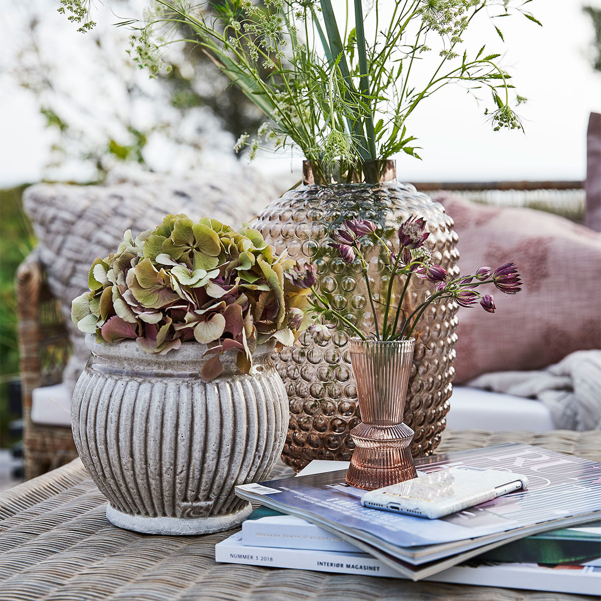 Flower pots and glass vase are the perfect companions for your wild flowers - Lene Bjerre Design